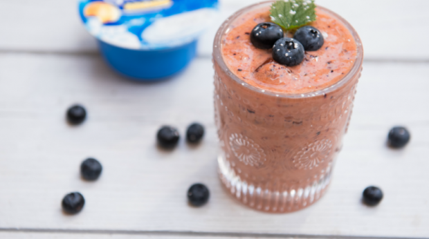 """Smoothie de papaia e mirtilos"""